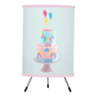 Torta de cumpleaños lámpara trípode
