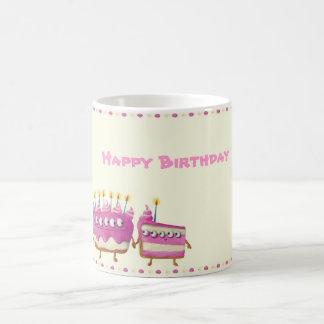 Torta de la fruta del cumpleaños - texto de encarg tazas