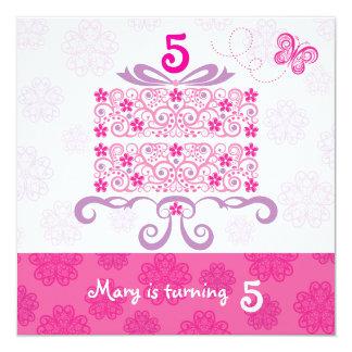 """Torta de la margarita del feliz cumpleaños invitación 5.25"""" x 5.25"""""""