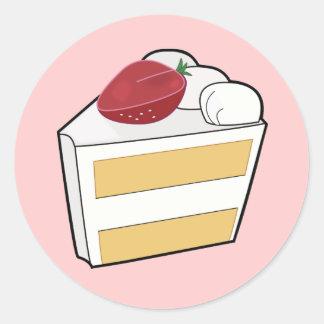 Torta de la vainilla de la fresa con la fresa pegatina redonda