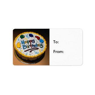 Torta del feliz cumpleaños: De: Etiquetas De Dirección