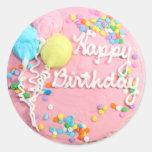 Torta del feliz cumpleaños etiqueta redonda