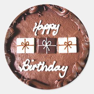 Torta del feliz cumpleaños pegatina redonda