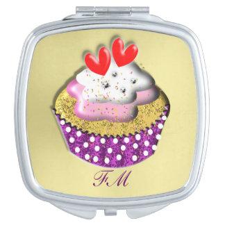 Torta deliciosa de la taza espejo maquillaje