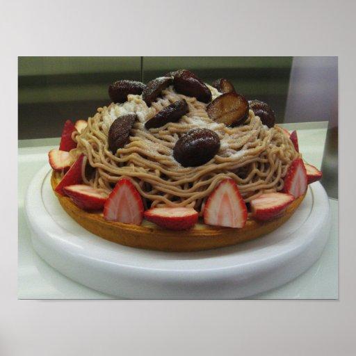 Torta japonesa de los espaguetis y de la fresa póster