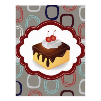 Torta marrón/gris con las cerezas tarjetas postales
