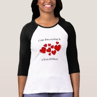 Torta para mujer que adorna la camiseta del raglán polera