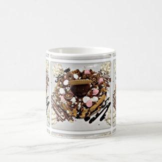 Torta personalizada de la melcocha y de chocolate taza básica blanca