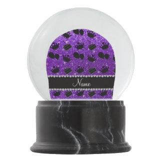 Torta púrpura de los globos de las coronas del bola de nieve