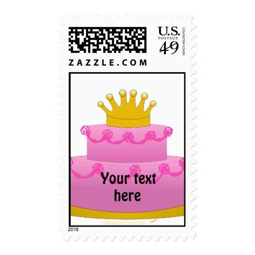 Torta rosada con cumpleaños de la corona sellos