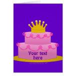 Torta rosada con cumpleaños de la corona felicitaciones
