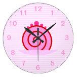 Torta rosada de la frambuesa relojes de pared
