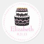 Torta rosada del feliz cumpleaños etiqueta redonda
