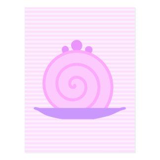Torta rosada espiral en rayas rosadas postal
