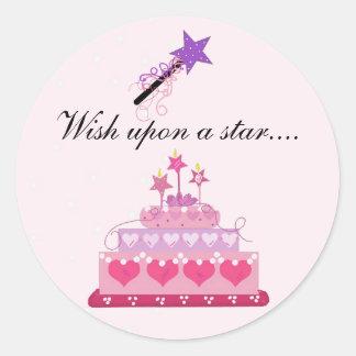 Torta y estrellas bonitas con decir pegatina redonda