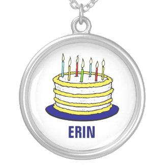 Torta y velas personalizadas de cumpleaños collar plateado