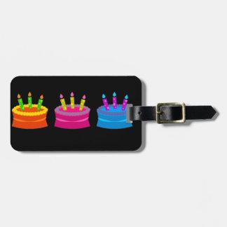 Tortas de cumpleaños vibrantes etiquetas para equipaje