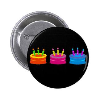Tortas de cumpleaños vibrantes pin redondo de 2 pulgadas