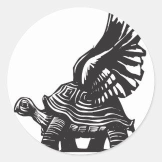 Tortuga coa alas etiquetas redondas