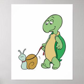 tortuga con el caracol del mascota póster