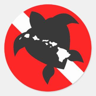 Tortuga de la bandera de la zambullida pegatina redonda