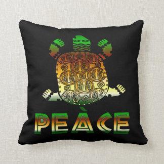 Tortuga de la paz almohadas
