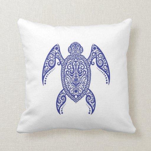Tortuga de mar azul compleja en blanco almohada