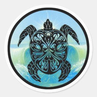 Tortuga de mar céltico etiquetas redondas
