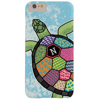 Tortuga de mar colorida del monograma del modelo funda de iPhone 6 plus barely there
