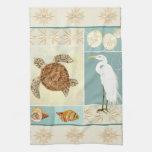 Tortuga de mar costera del collage de la costa del toalla