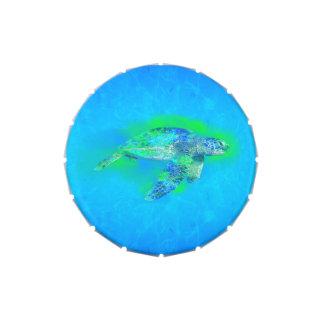 Tortuga de mar de la natación latas de caramelos