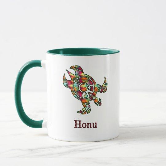 Tortuga de mar hawaiana tribal en arco iris taza