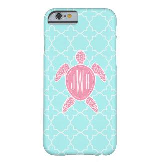 Tortuga de mar rosada con monograma + Quatrefoil Funda Barely There iPhone 6