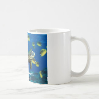 ¡Tortuga de mar verde, dirigiendo hacia el café! Tazas De Café