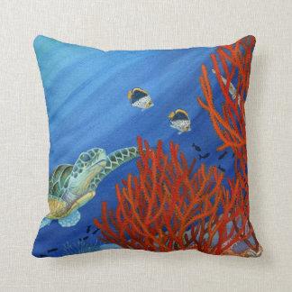 Tortuga de mar verde subacuática cojín