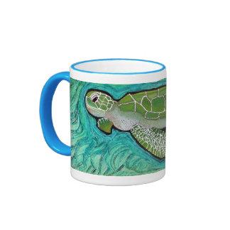 Tortuga de mar verde taza de dos colores