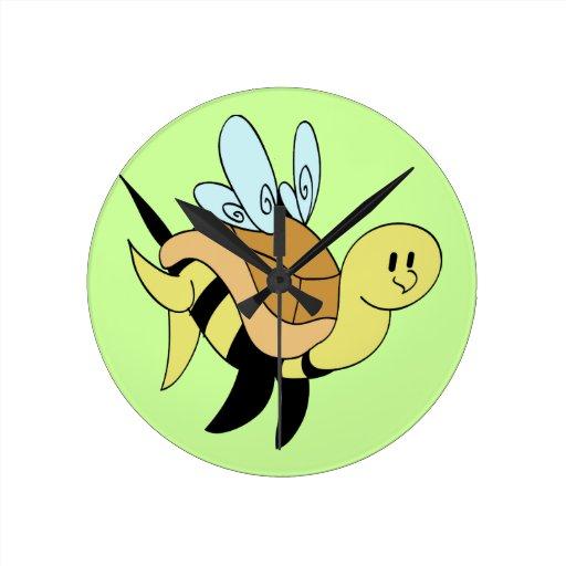 Tortuga del abejorro reloj redondo mediano