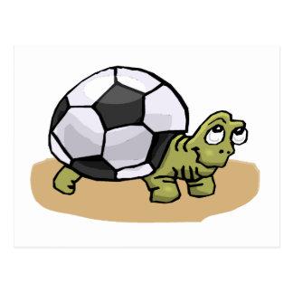 Tortuga del balón de fútbol postal