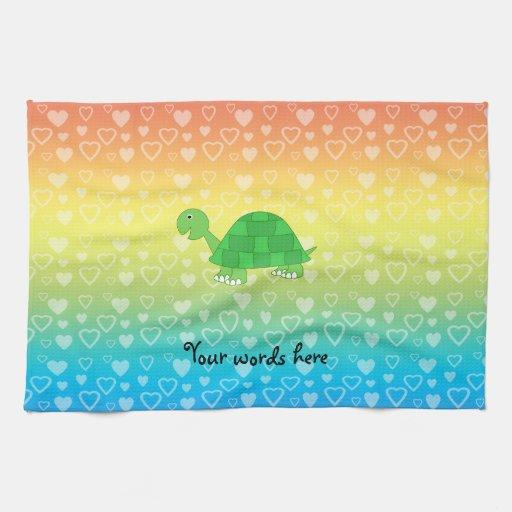 Tortuga del bebé de los corazones del arco iris toalla de mano