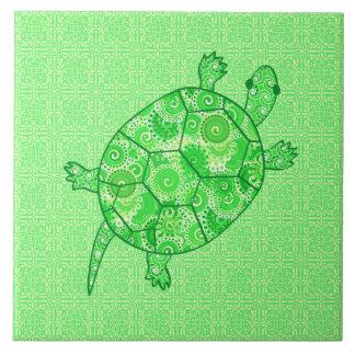 Tortuga del remolino del fractal - cal y verde azulejo cuadrado grande