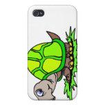Tortuga en hierba iPhone 4 protectores
