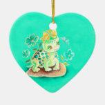 Tortuga femenina adorno navideño de cerámica en forma de corazón