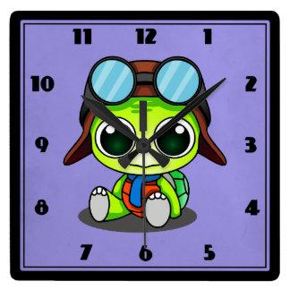 Tortuga linda del dibujo animado en gorra del reloj cuadrado
