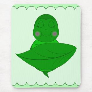 Tortuga verde el dormir alfombrillas de ratones
