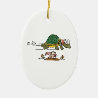 tortuga y el dibujo animado divertido de la fábula adorno de navidad