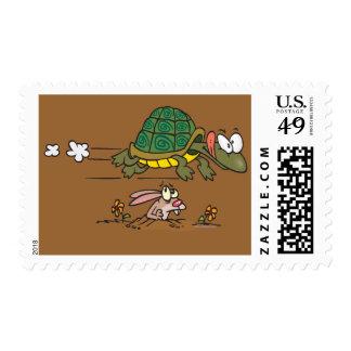 tortuga y el dibujo animado divertido de la fábula sello