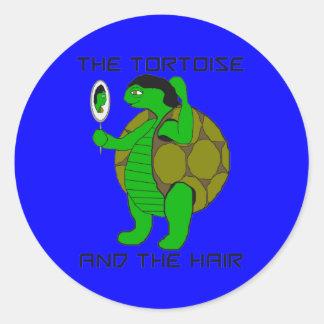 Tortuga y los pegatinas del pelo pegatina redonda
