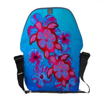 Tortugas de Honu y flores tropicales del hibisco Bolsas De Mensajería