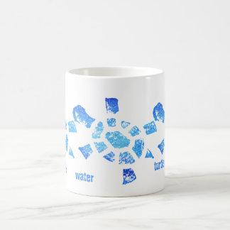 Tortugas del agua azul taza