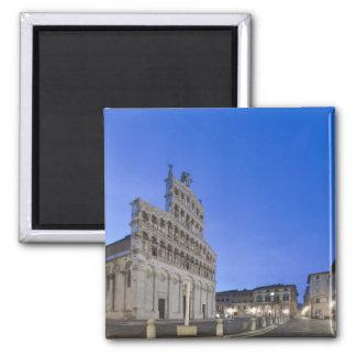 Toscana, Lucca, plaza San Micaela en el amanecer Imán Cuadrado